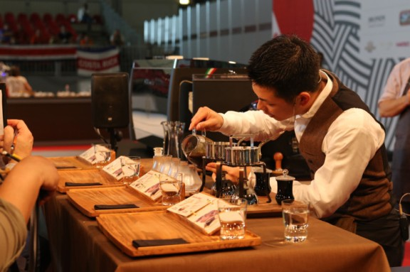 japanese-barista-champion-hidenori-izaki-6750-740x493